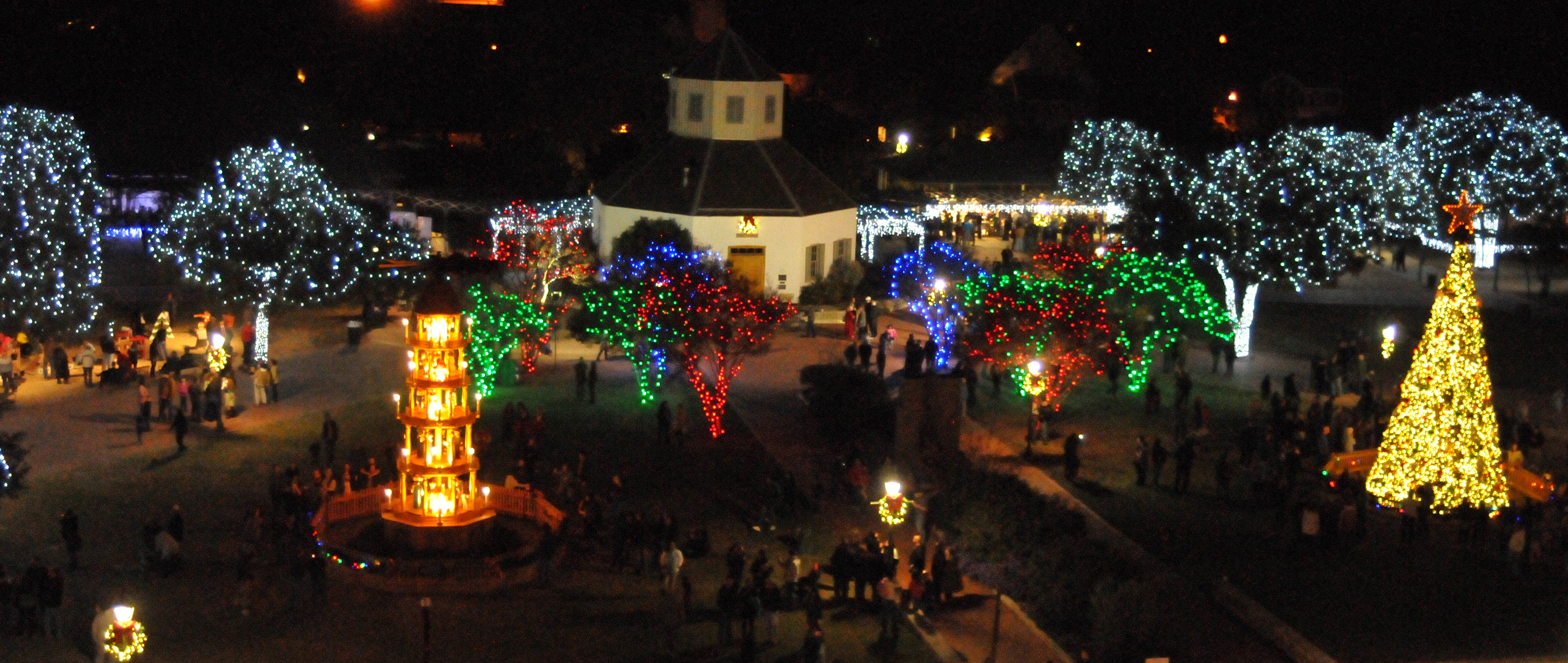 Christmas Arrives in Fredericksburg, Texas! — MPI Traveler